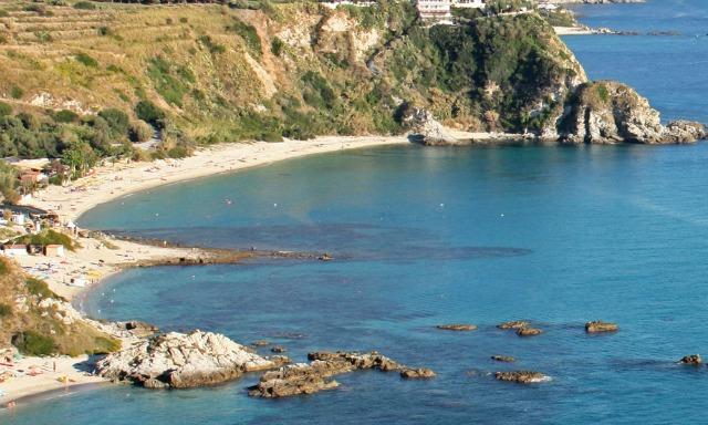 spiaggia grotticelle calabria