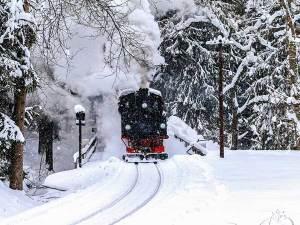 treno a vapore sila