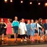 100 alumnes pujaran a l'escenari durant la Mostra de Teatre Escolar de Son Servera