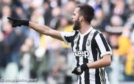Calciomercato Juventus, i bianconeri pensano a blindare Pjanic