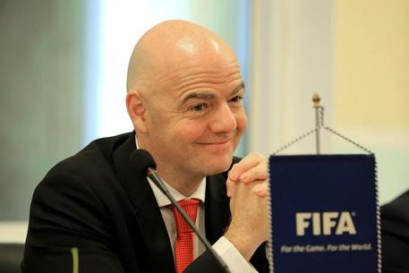 epa06504554 Federation Internationale de Football Association (FIFA) president Gianni Infantino visits the Vietnam Football Federation (VFF) in Hanoi, Vietnam, 08 February 2018. Infantino is on his first official visit to Vietnam as FIFA President.  EPA/MINH HOANG