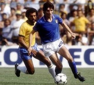 Paolo Rossi in azione