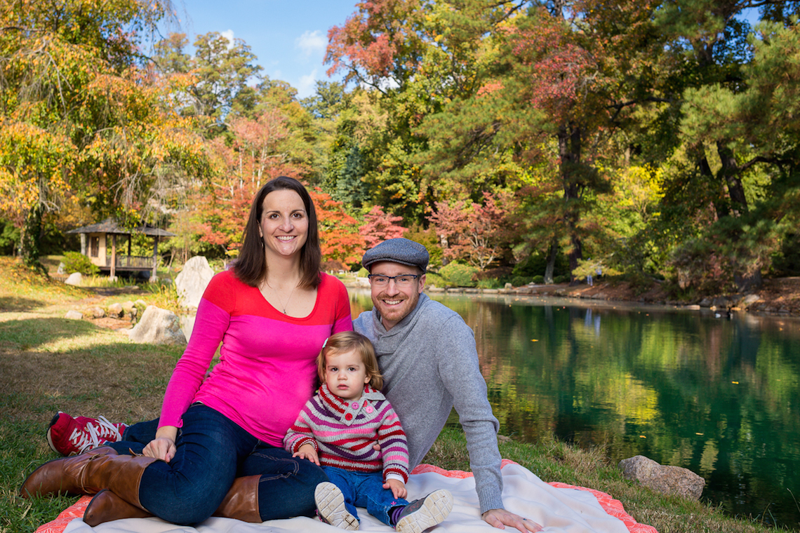 fall family portrait of the Caleb Keiter family