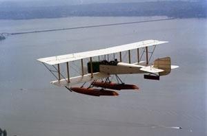 В воздух поднялся первый самолет «Боинг»