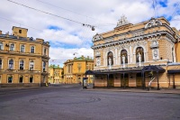 Старейшим цирковым стационаром считается цирк Гаэтано Чинизелли в Санкт-Петербурге, открытый в 1877 году (Фото: dimbar76, Shutterstock)