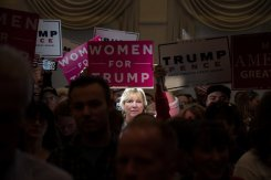 Donald-john-Trump-Campaign-2