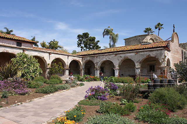 Mission San Juan Capistrano. By Bernard Gagnon (Own work) [GFDL (http://www.gnu.org/copyleft/fdl.html) or CC BY-SA 3.0 (http://creativecommons.org/licenses/by-sa/3.0)], via Wikimedia Commons