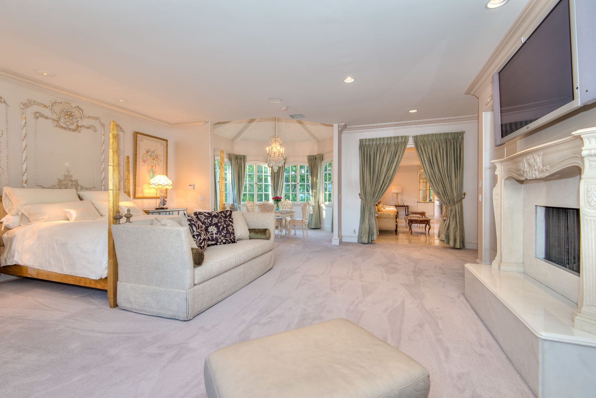 Jackie Chans Former Beverly Hills Home Is Ready For