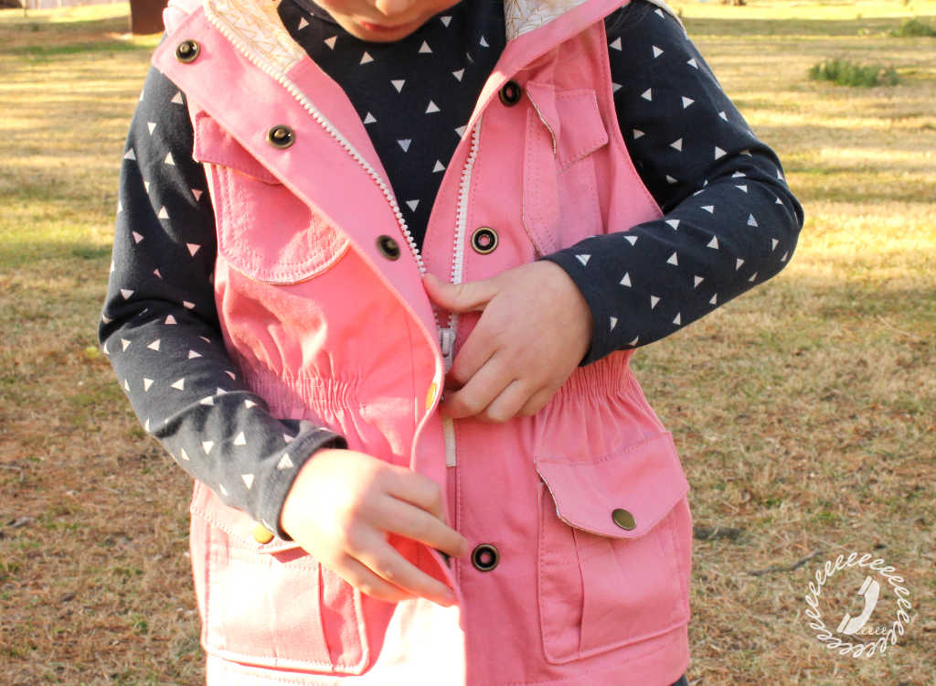 One Thimble Issue 14 Review of the e-zine Thyme Vest zipper