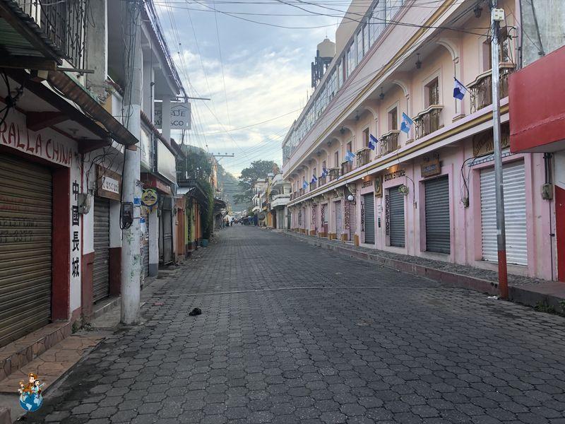Calle Santander en Panajachel
