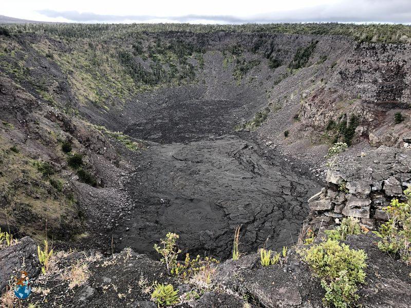 Cráter Pauahi en el Parque Nacional de los Volcanes