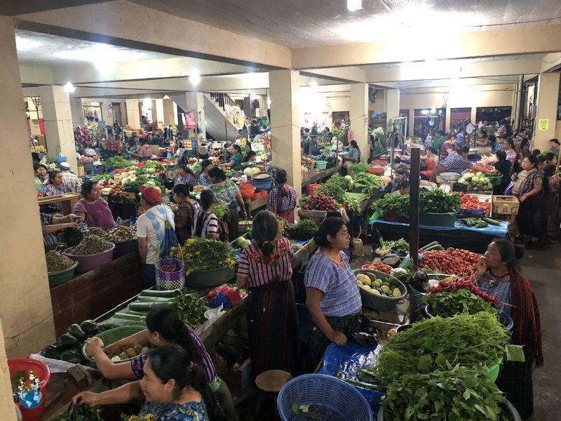 Mercado municipal en Santiago Atilán