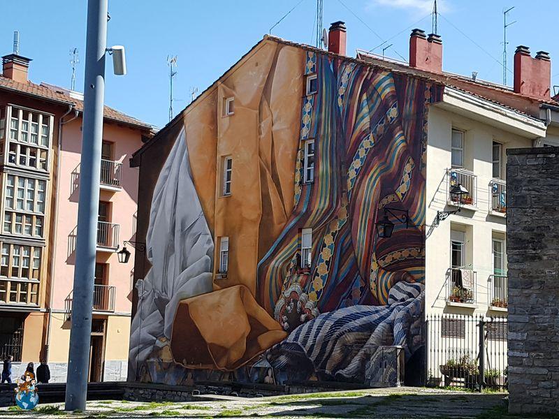 Mural Al Hilo del Tiempo - Ruta murales Vitoria-Gasteiz