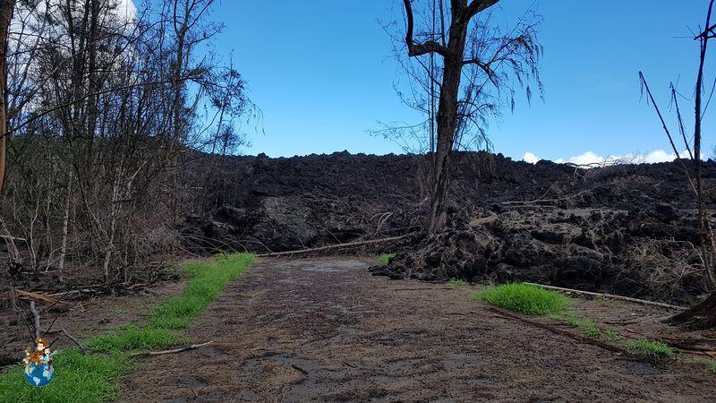 Erupción 2018 Volcán Kilauea en Punalu'u Black Sand Beach