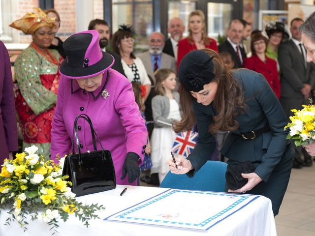 Signing of the Royal Guest Book