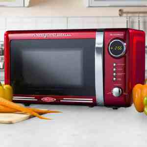 The Best Countertop Microwave and its cooking items that are spread out here