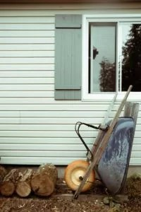 Should You Get a Vinyl Siding Replacement or Repair?