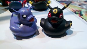 espeon_and_umbreon_ducks_by_spongekitty-d5emnes