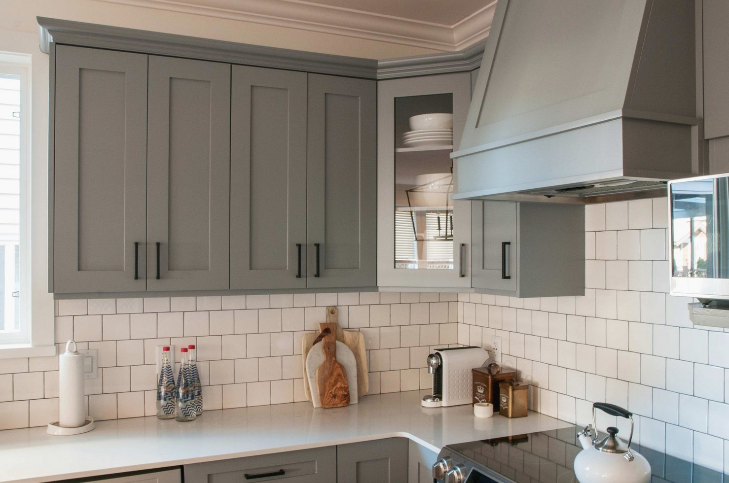 Do You Paint The Inside Of Kitchen Cabinets