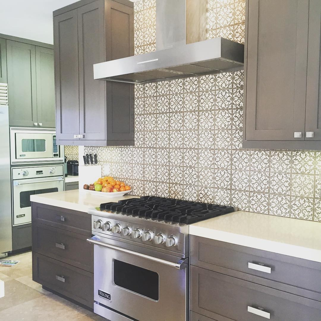 How Much Does It Cost To Have Kitchen Cabinets Painted