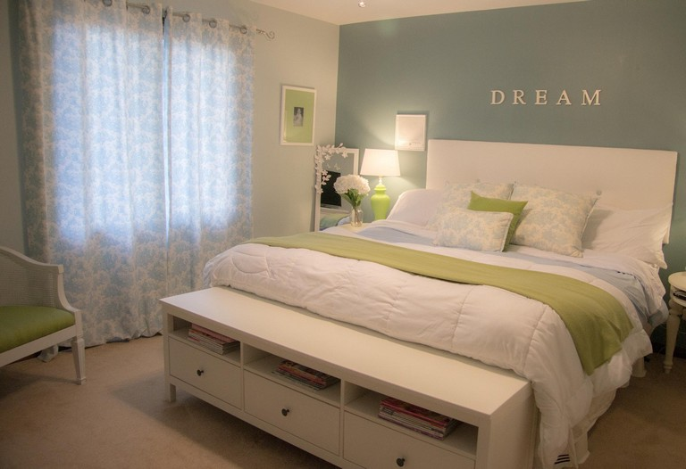 How To Decorate My Bedroom