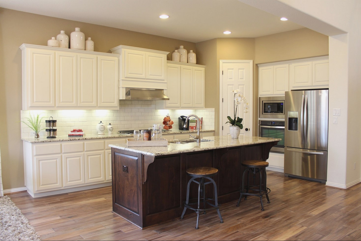 Kitchen Cabinets Countertops And Flooring Combinations