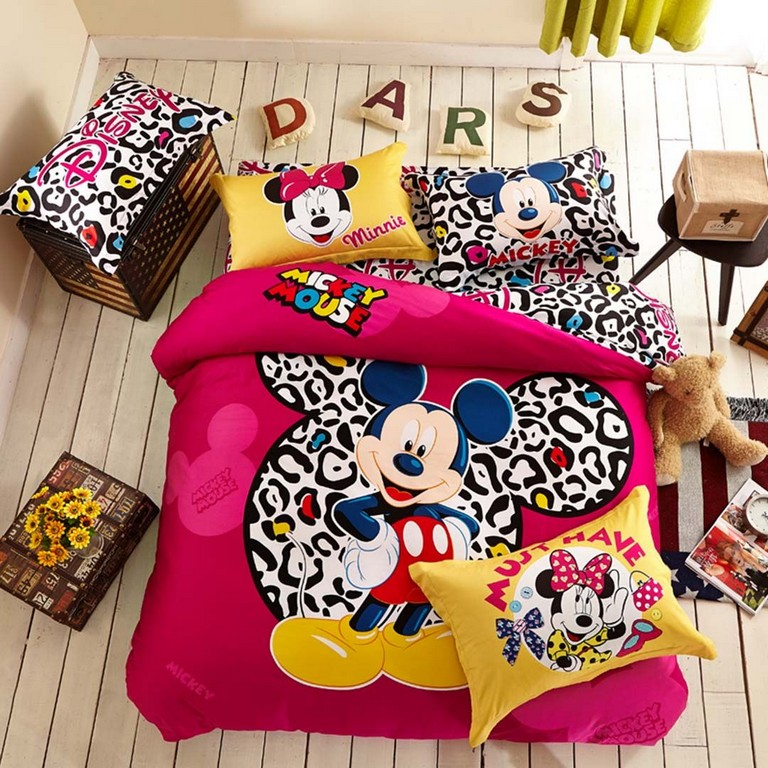 Queen Size Mickey Mouse Bed Set
