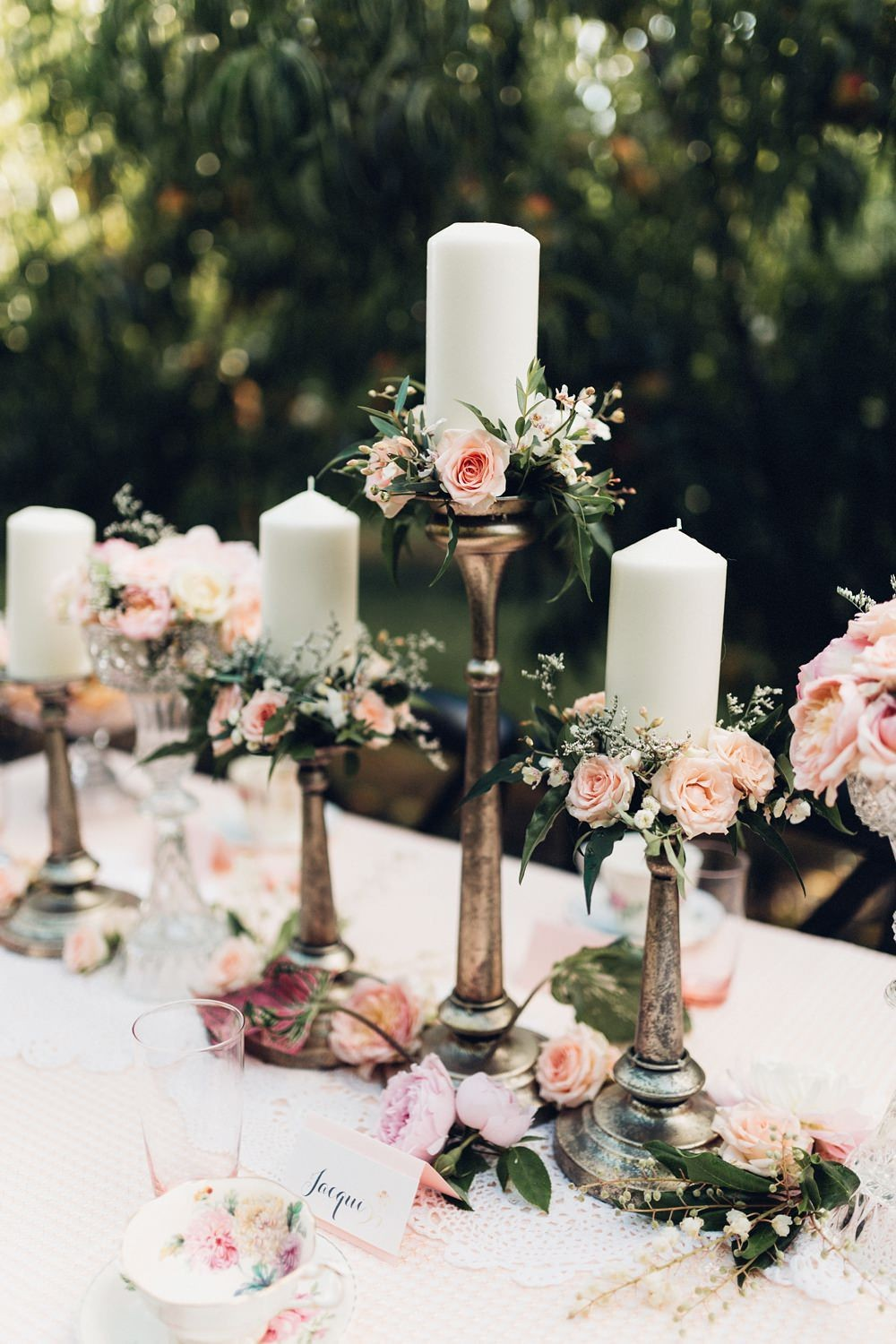 Table Decorations With Candles And Flowers