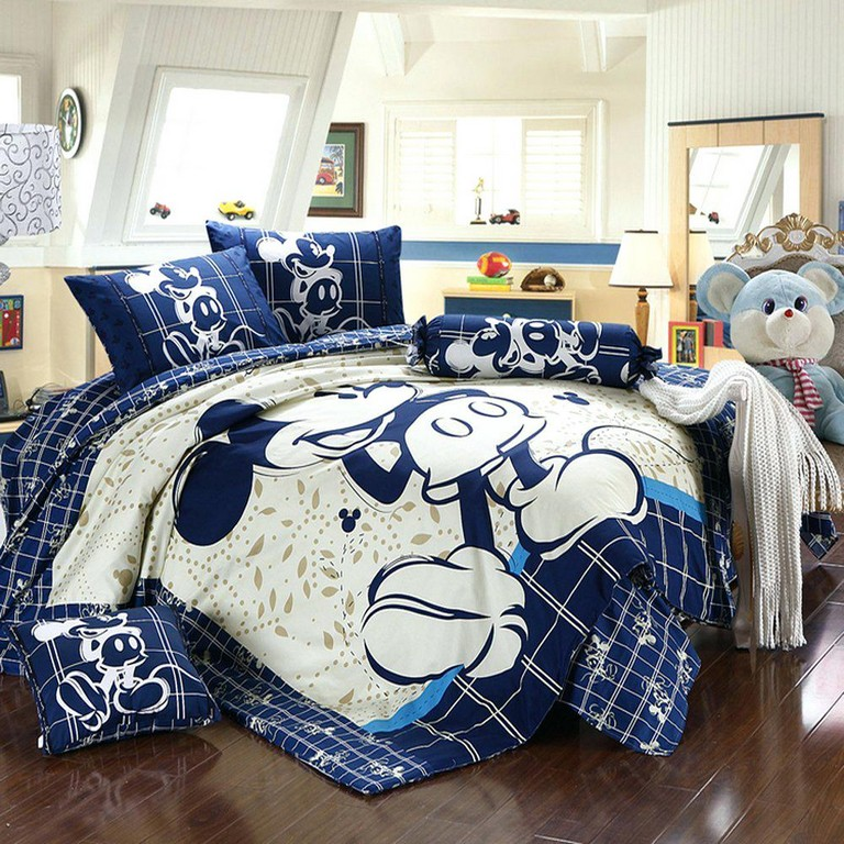 Minnie Mouse Queen Bedding Sets