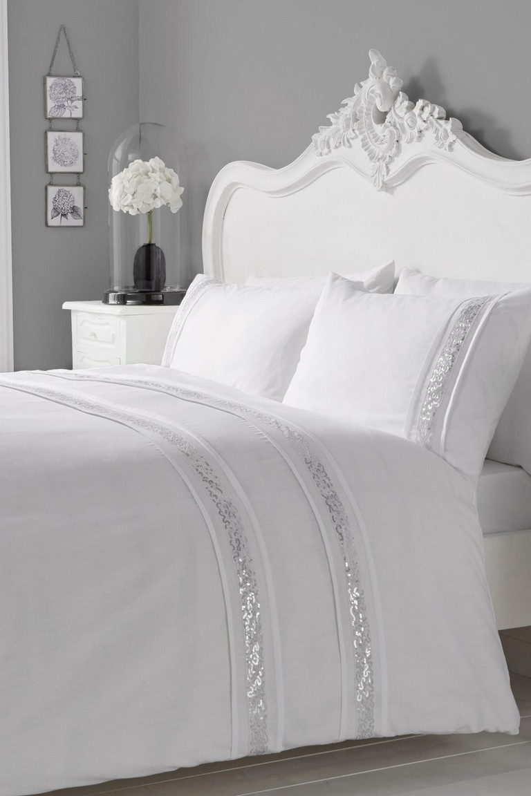 White Bedding Sets