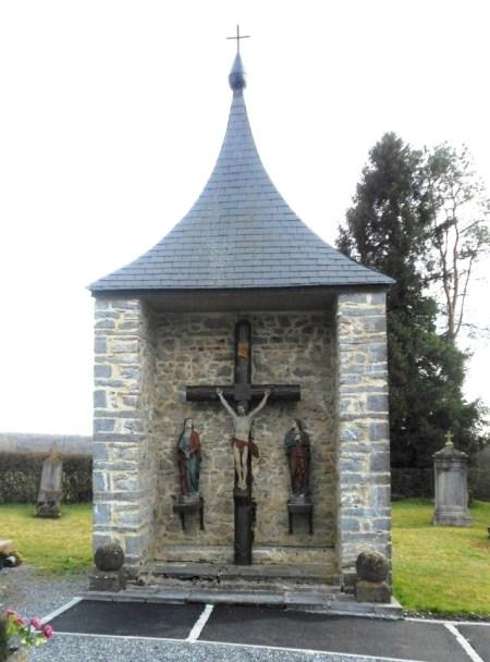Calvaire du cimetière rue des Trieux X rue du Pont Dusque