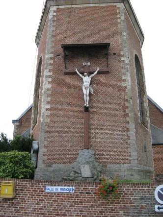Calvaire de l'église pris sous un autre angle