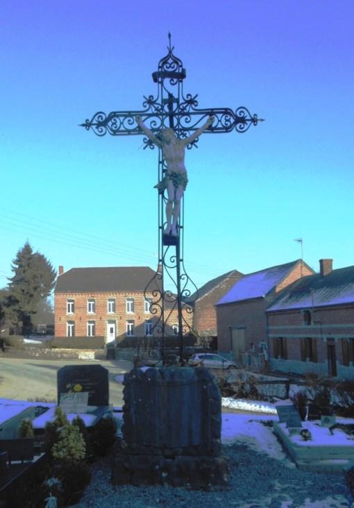 Calvaire des années 1850 situé dans le cimetière près de l'église