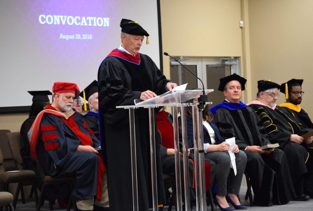 Convocation Chapel Held to Welcome New Students