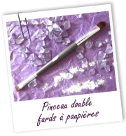 FT_trombone_contenant-maquillage-vide_MS_pinceau-double-fards-paupieres