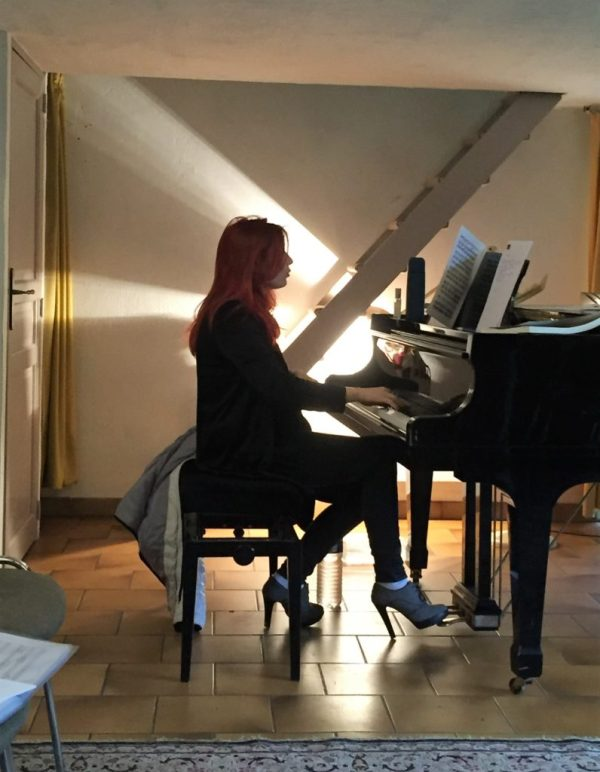Cours de chant Adeline Toniutti avec piano