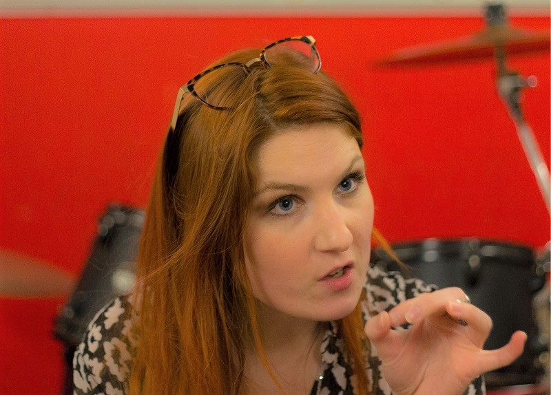Adeline Toniutti vocal coach - professeur de chant