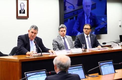Audiência pública com o presidente da OAB, Marcus Vinícius Furtado Coelho. Em destaque, dep. Arnaldo Faria de Sá (PTB-SP)