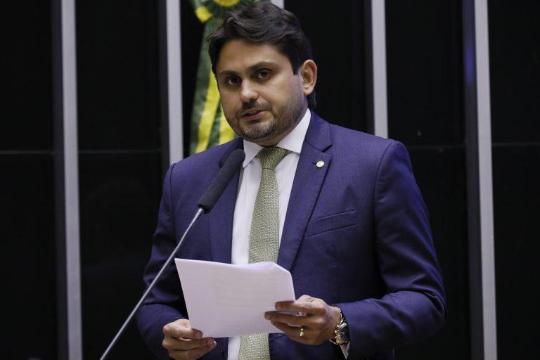 Deputado Juscelino Filho discursa no Plenário da Câmara
