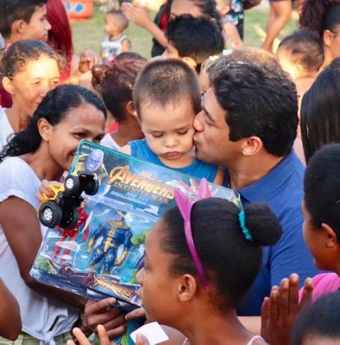 Osmar Filho comemora Dia das Crianças com ações especiais em bairros de São Luís