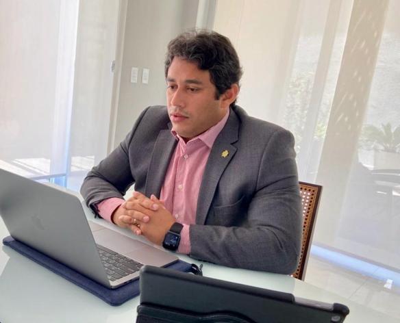 Osmar Filho coordenou a primeira audiência remota da história da CMSL.