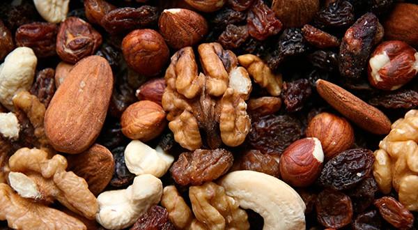 Los frutos secos ayudan a controlar el apetito y a regular el tránsito intestinal/Annette Meyer en Pixabay