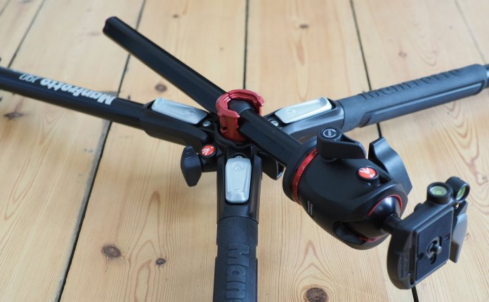 manfrotto-mt190xpro3-low-angle