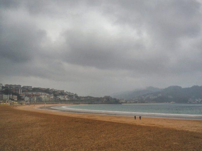 Pais Vasco ruta en coche en tres días. Playa de la concha San Sebastián