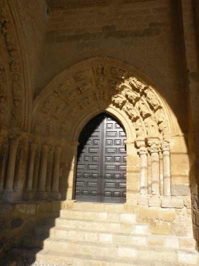 Villal-Cazar-de-Sirga-14-templar-church-05