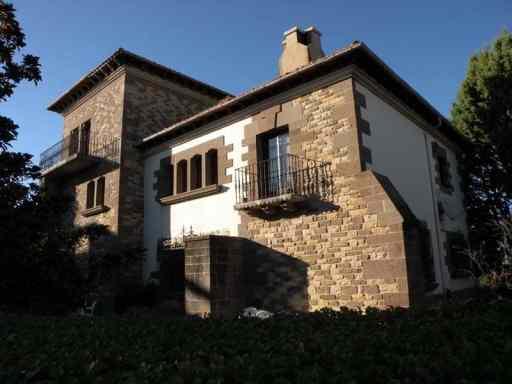 Cizur Minor 26 village 03