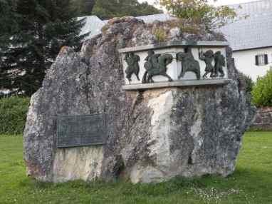 Roncesvalles 13 memorial