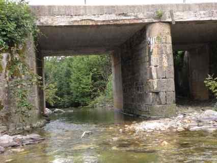 Roncesvalles - Larrasoana 02 water under bridge 02