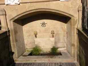Viana - Sote 13 Logrono 10 fountain detail