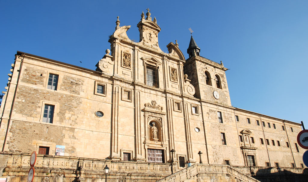 Villafranca-del-Bierzo-Iglesia-de-San-Nicolas1